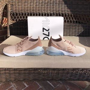 Nike Airmax 270 Flyknit Particle Beige Guava Ice NWT
